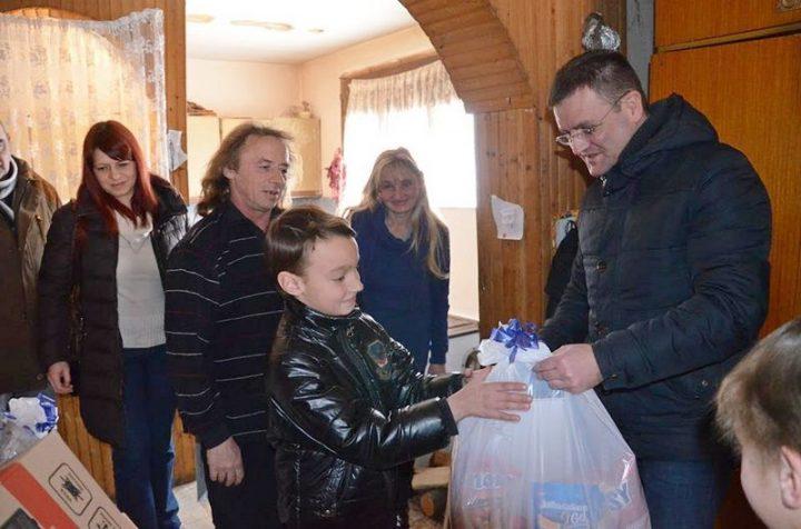 Pančićima televizor, Josipovićima lap top