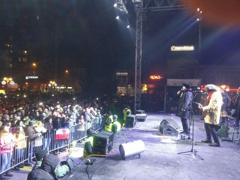 Oko 10.000 Nišlija na nogodišnjem koncertu Regine i Bijelog dugmeta