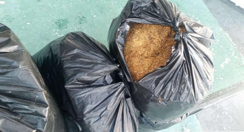 Preko 160 kilograma rezanog duvana skrivano u šupi i automobilu