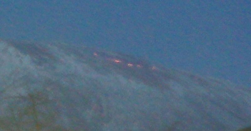 Usred snežnih nanosa bukti požar na Suvoj planini