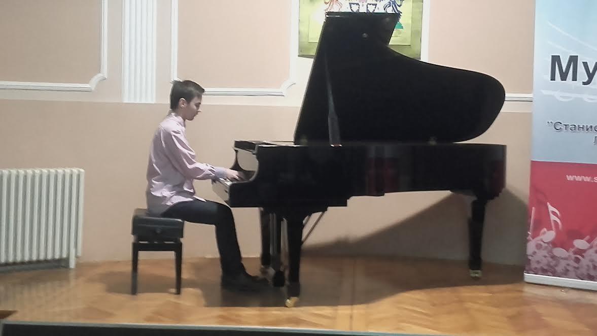 Ozbiljne note na Svetosavskom koncertu učenika Muzičke škole