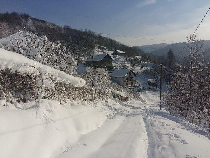 Potraga za izgubljenom staricom po snežnim smetovima