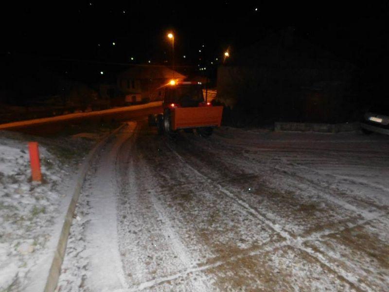 Putevi Srbije: Obazrivo vozite po snegu!