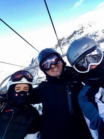 Leskovčani okupirali Borovec: Svi uče Stevu da skija (VIDEO)