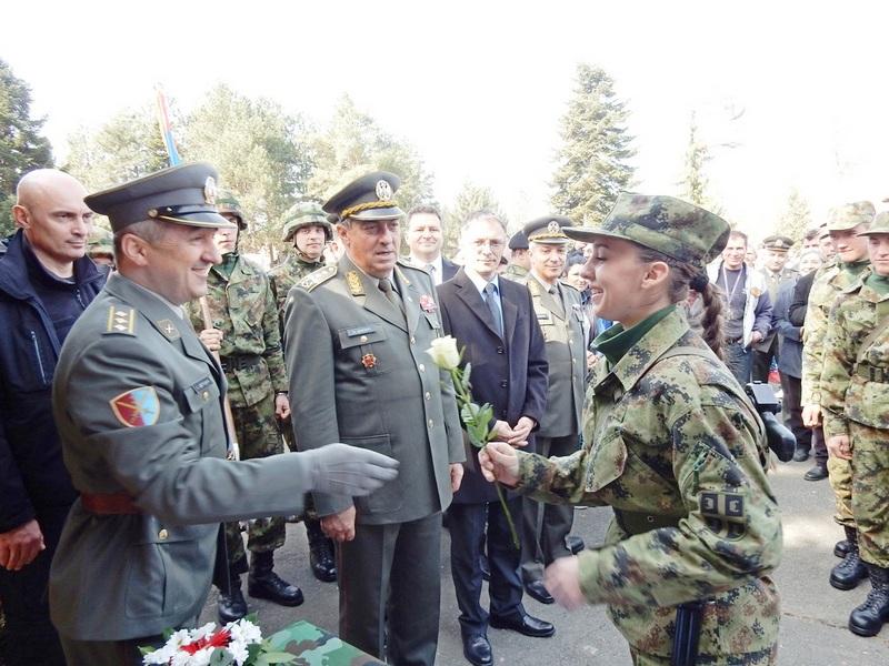 Diković: Vrata Vojske otvorena za najbolje vojnike