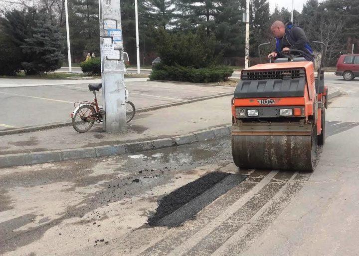 Počelo krpljenje udarnih rupa, sledi rekonstrukcija nekoliko gradskih ulica