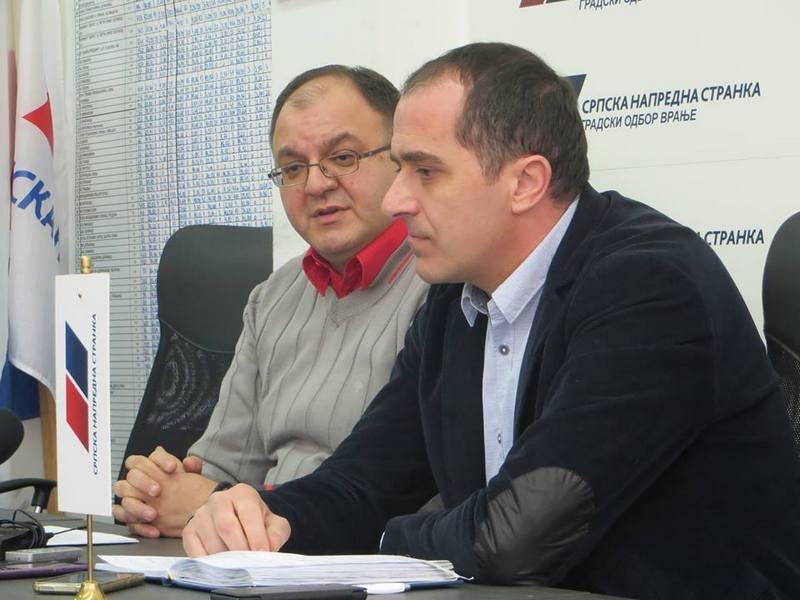 DOGOVOR U VRANJU SNS i SPS zajedno u kampanji za Vučića