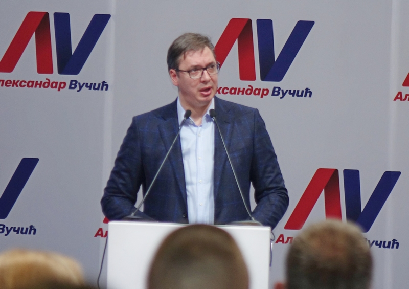 Naprednjaci iz Vranja organizovano na polaganje zakletve Vučića