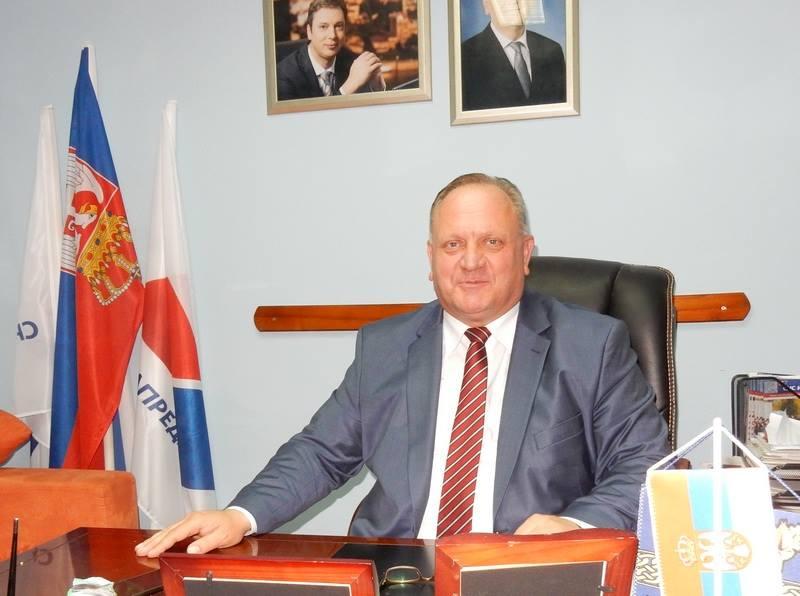 JS ulazi u vlast, gradonačelnik smanjuje broj pomoćnika