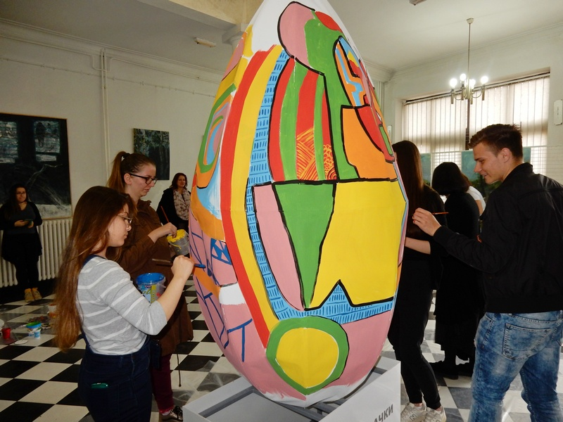 Džinovsko oslikano jaje u LKC -u više od atrakcije