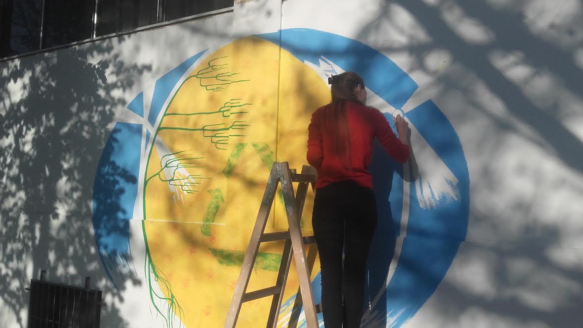 Osvanuo novi mural na Osmospratnici