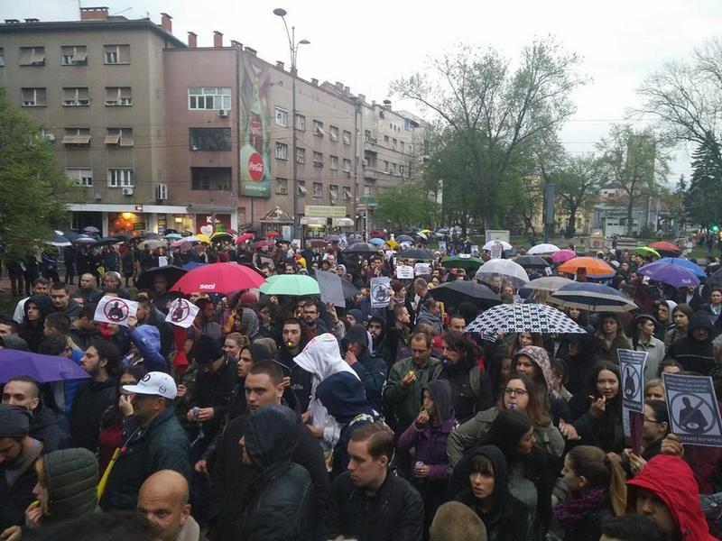 """Oko 2.000 Nišlija i večeras na protestu """"protiv diktature"""""""
