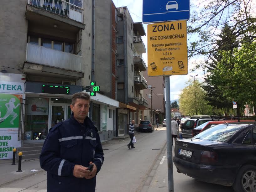 Zbog kazne za parkiranje napadnut na radnom zadatku