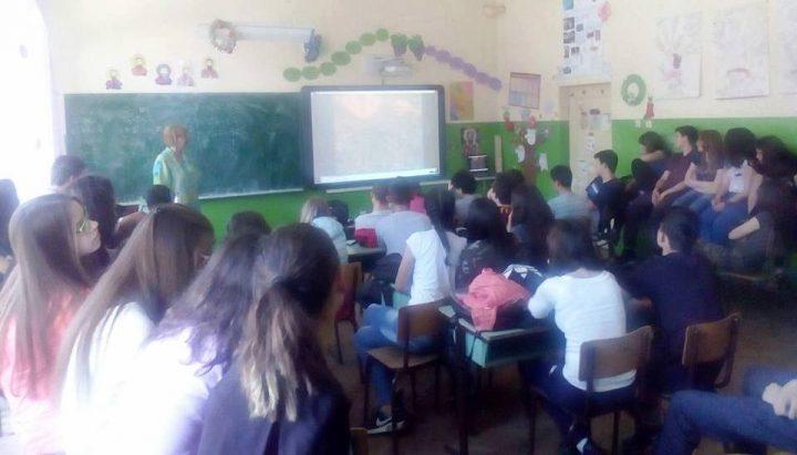 Gužve na predavanjima o polnom sazrevanju