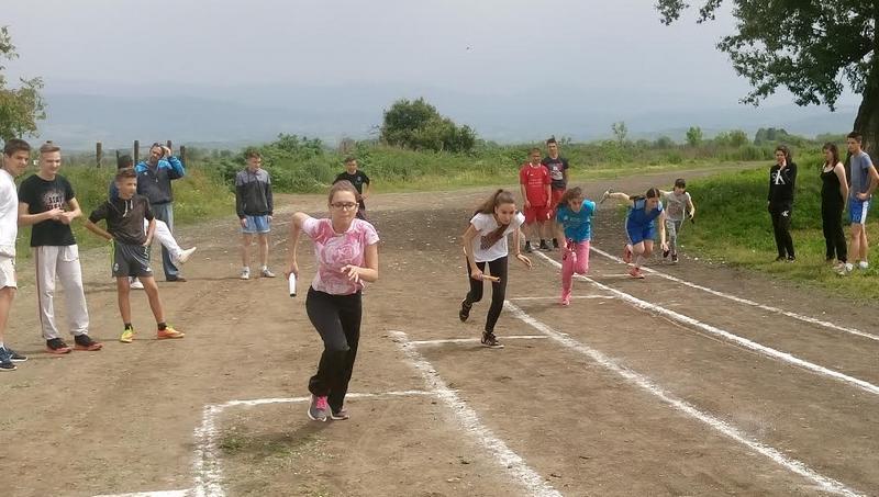 Na hipodromu trčalo 300 devojčica i dečaka