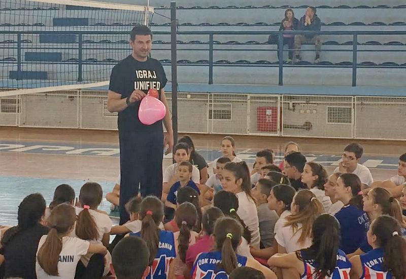 Grbić u Prokuplju održao trening i promovisao odbojkaški kamp