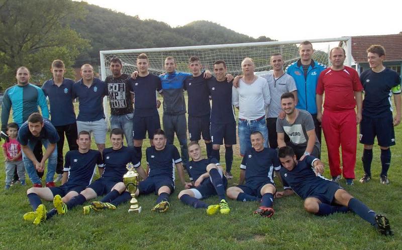 Uručen pehar FK Jablanica, vidimo se u Zoni jug !