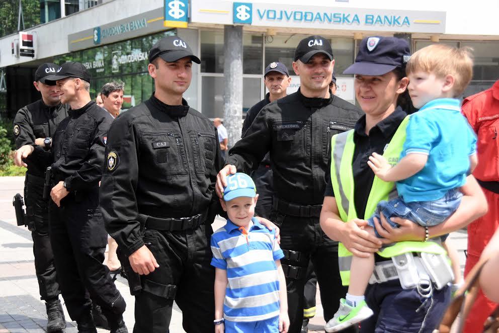 Druženje sa građanima u susret Danu policije