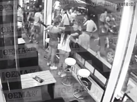 NOVI SNIMAK SA ZAKINTOSA: Krvnički tukli Amerikanca, umro za 20 sekundi (VIDEO)