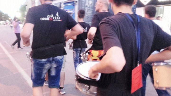 (VIDEO) Leskovac u ritmu bubnjeva: Počeo DRUM DUM FEST