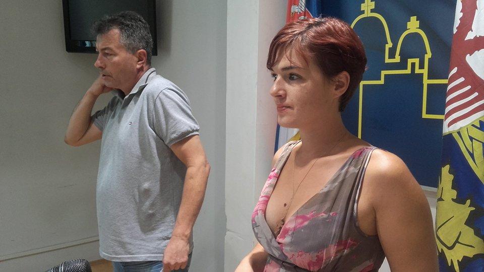 Tričković da podnese ostavku zbog neispravnih poreskih rešenja!