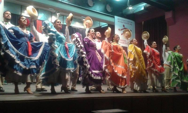 Plesački temperament Portorikanaca i vatromet boja osvojili Hančane