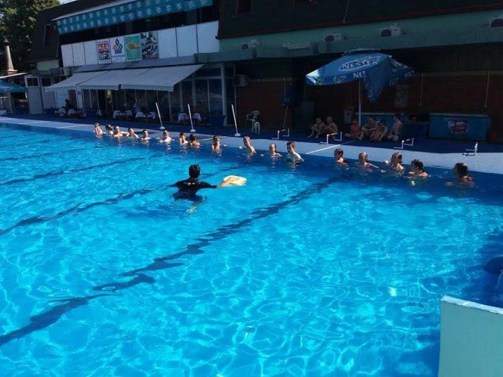 I ove godine beplatni časovi plivanja