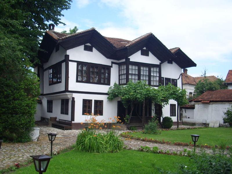 Menja se krov na staroj kući Hristića, odnosno, pirotskog muzeja
