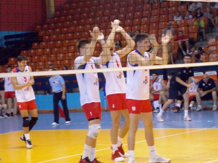 SRBIJA U FINALU, SUTRA SVI U HALU! Odbojkaši u Leskovcu porazili Turke sa 3:0