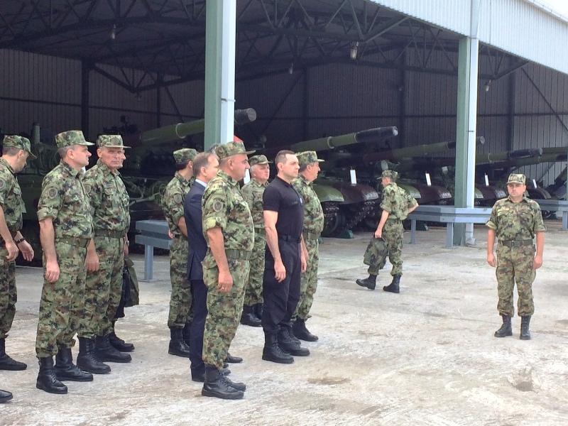 Vulin: Za pripadnike vojske povećanje od 10 posto