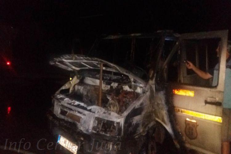 """Izgoreo kamion preduzeća """"Trace PZP"""" Vranje"""