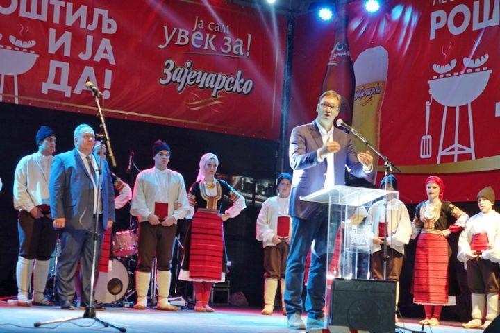 Vučić otvorio Roštiljijadu i obećao fabriku sa preko 1000 zaposlenih
