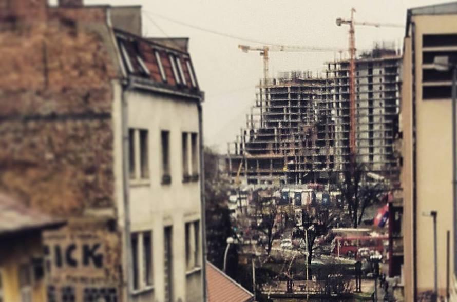 Dveri: Dok se Beograd razvija mi izumiremo