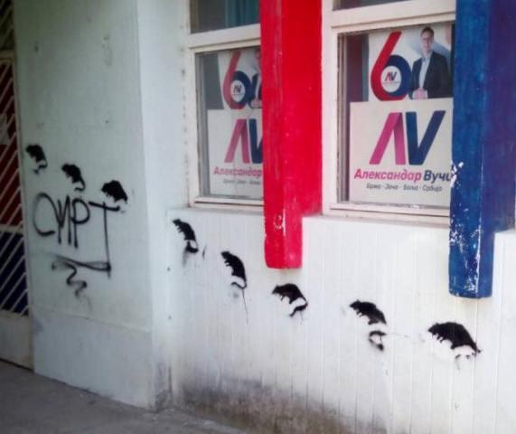 Nacrtani pacovi na stranačkim prostorijama SNS