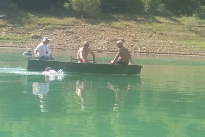PODVIG Sedamnaestogodišnjak preplivao Zavojsko jezero