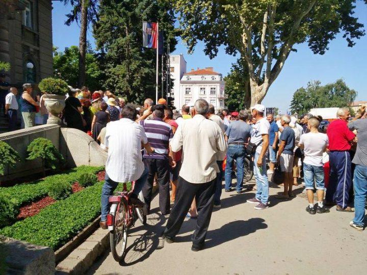 PROTEST Nišlije traže isplatu zarada svim radnicima u Srbiji