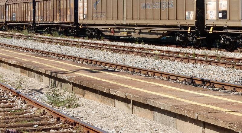 Pokušao da uskoči u voz u pokretu, hitno prebačen u KC Niš