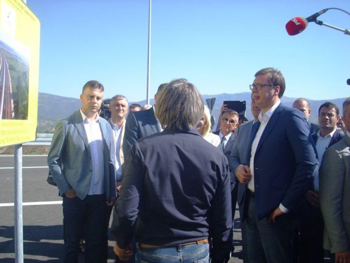 Vučić: Ja sam namćor, ali mi autoputevi uvek donesu osmeh na lice