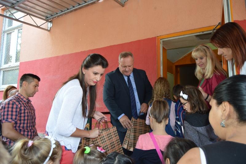 Prvacima čestitke i pokloni od gradonačelnika Cvetanovića