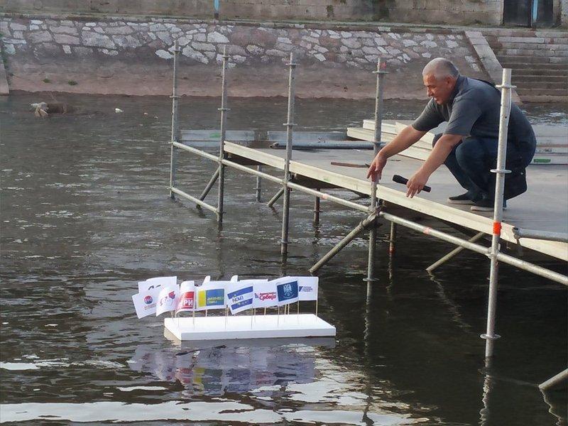 UPSS: Čamac sa strankama pušten niz Nišavu