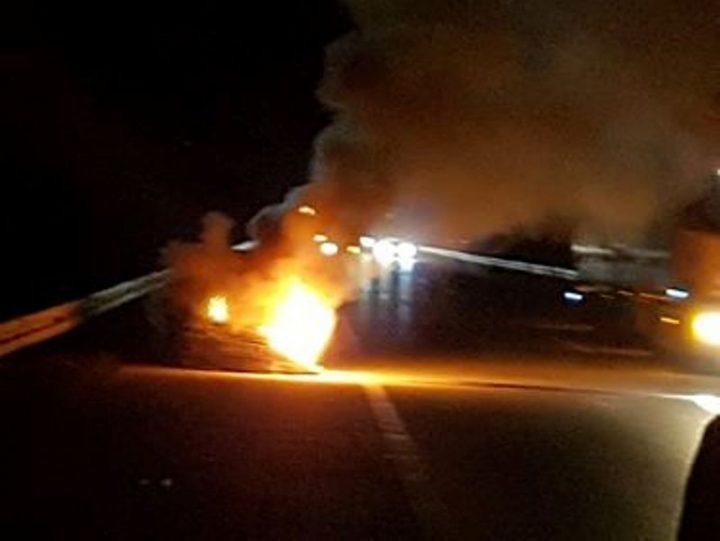 Automobil eksplodirao na auto putu