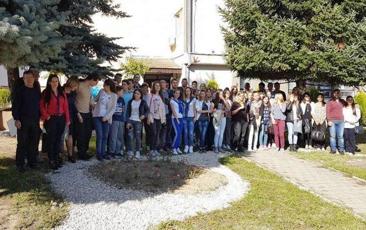 """""""Divac"""" fondacija pomaže omladinske projekte"""