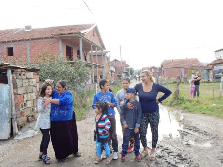BEZIMENA ulica puna dece