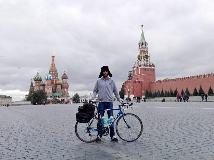 Mesec dana putovao biciklom do Moskve