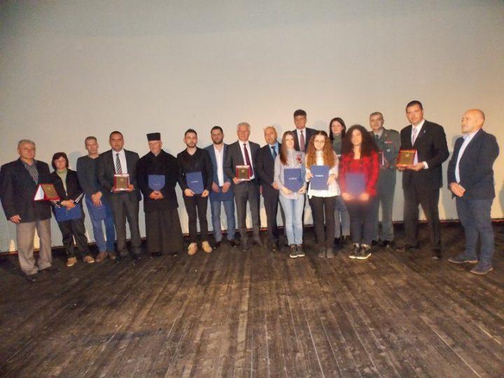 Dan opštine u znaku predstojećeg otvaranja fabrike, Vučiću plaketa