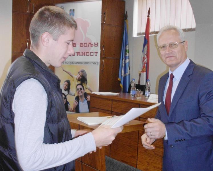 Opština Vlasotince podelila 11,2 miliona mladim poljoprivrednicima