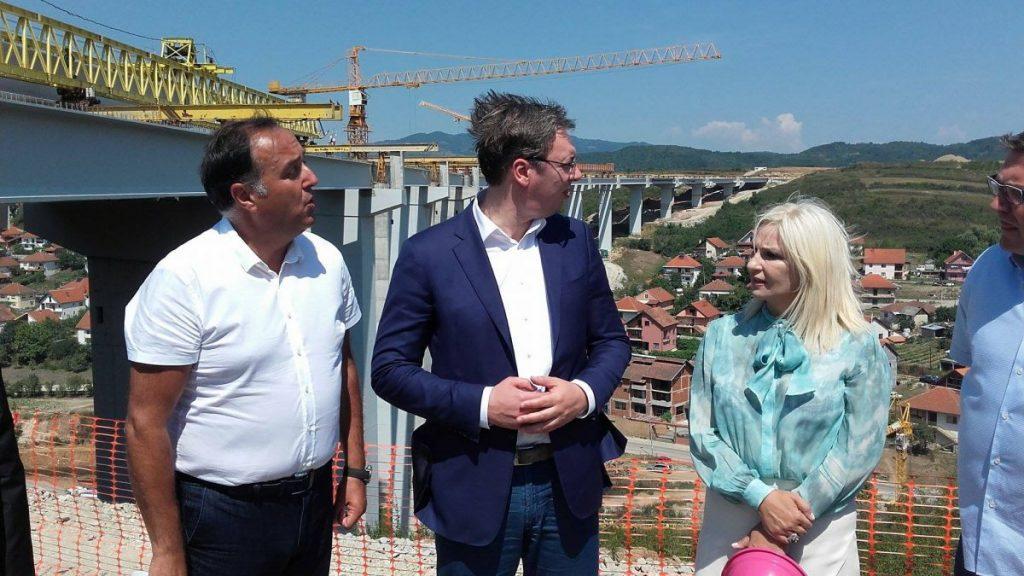 Kasne radovi na Koridoru 10, Vučić vikao na Babića
