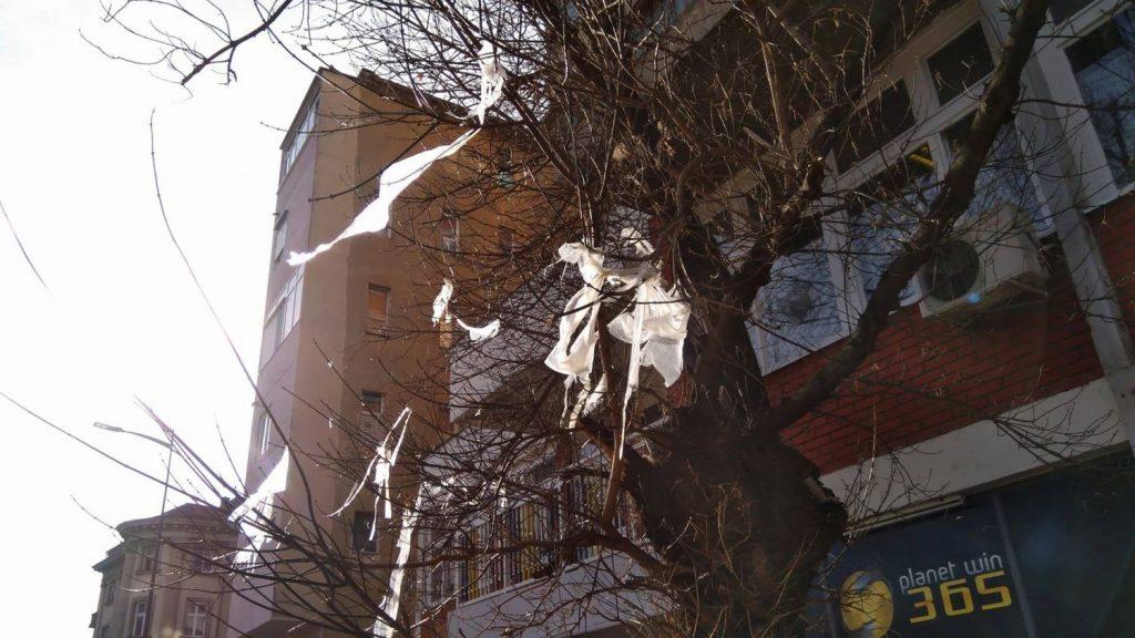 """Tužno novogodišnje """"kićenje"""" grada"""