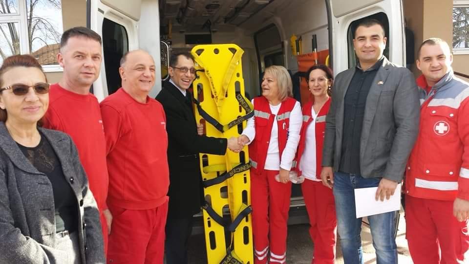 Rotarijanci donirali vlasotinačkom Domu zdravlja dasku za transport