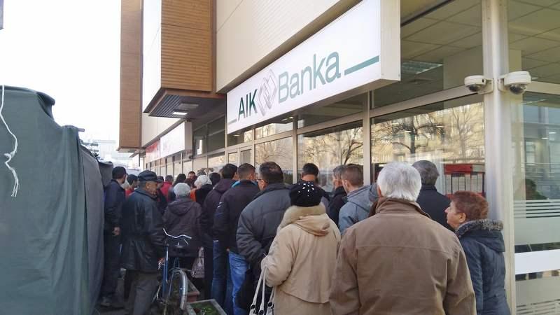 Penzioneri skoro blokirali rad AIK banke u Leskovcu